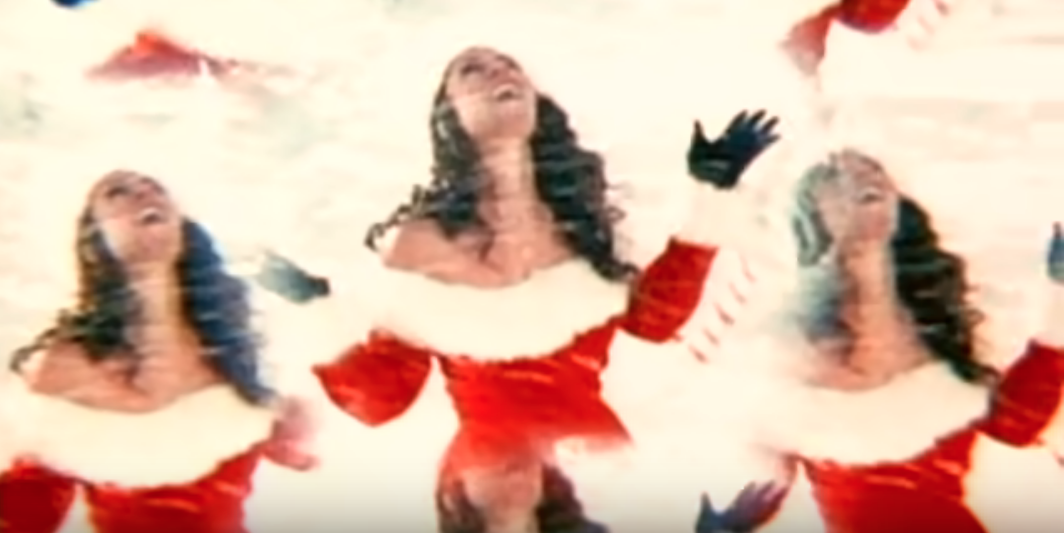 Mariah Carey All I Want For Christmas.Mariah Carey To Battle For 1 With All I Want For Christmas